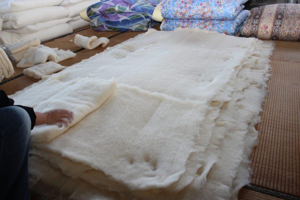 5.綿を並べている模様